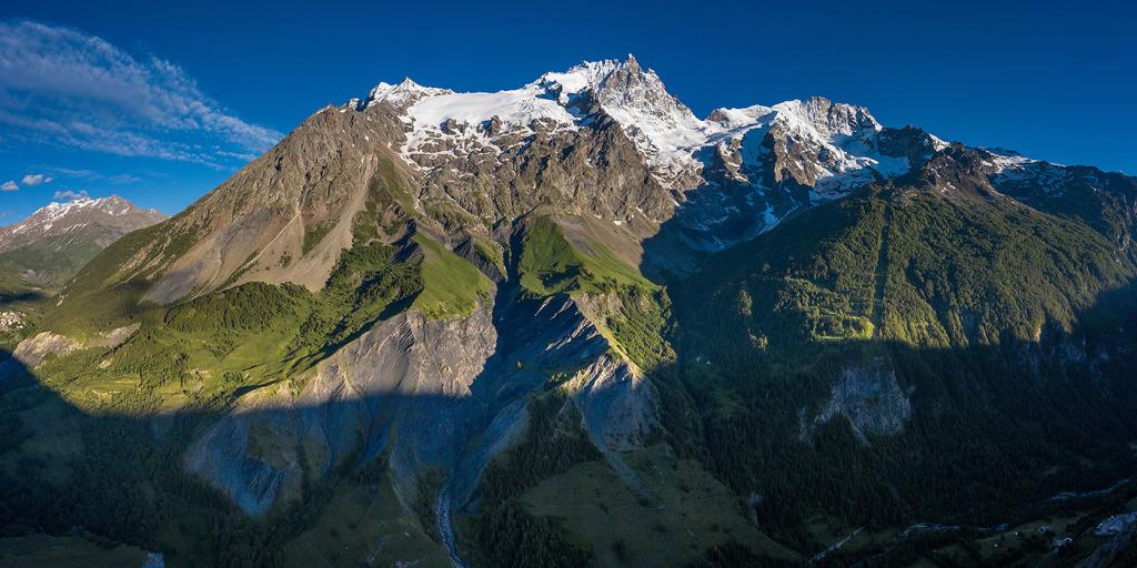 38. La Reine Meige - Oisans - Hautes Alpes