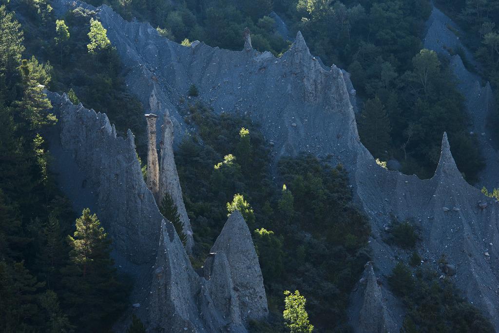 20. Demoiselles coiffées de Theus - Gapençais - Hautes Alpes